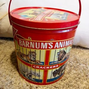 VTG Nabisco Barnum's Circus Cookie Tin, lion, bear